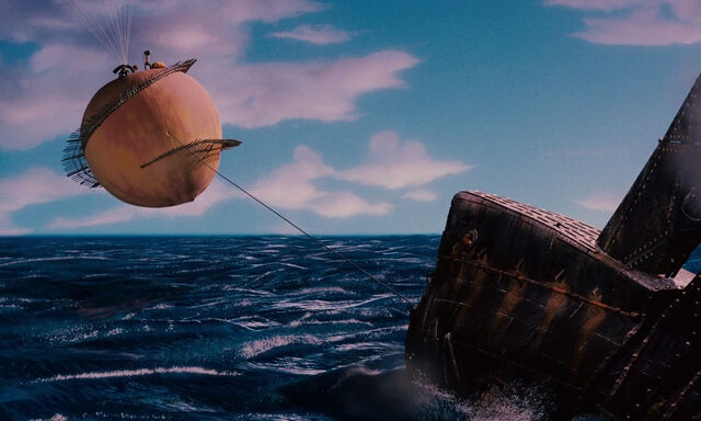 File:James-giant-peach-disneyscreencaps com-3936.jpg