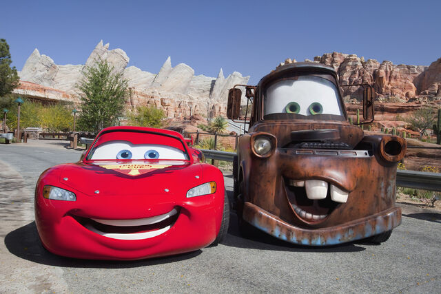 File:Mater and McQueen Radiator Springs.jpeg