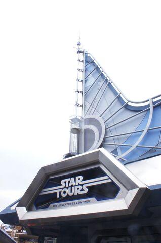 File:Star Tours 2 at Disneyland.jpg