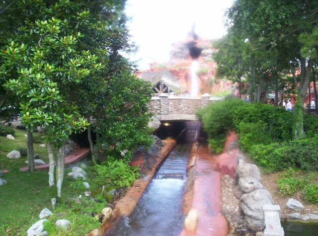 File:Splash Mountain.JPG