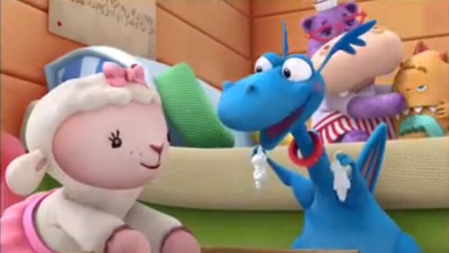 File:Lambie and stuffy with stuffing.jpg