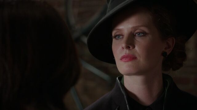 File:Once Upon a Time - 5x10 - Broken Heart - Zelena 2.jpg