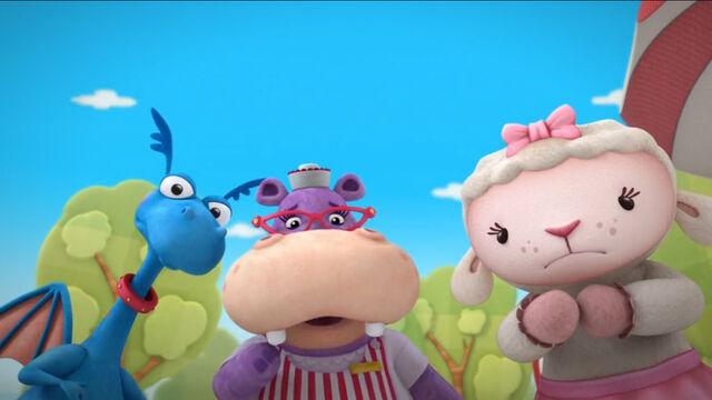 File:Stuffy, hallie and lambie2.jpg