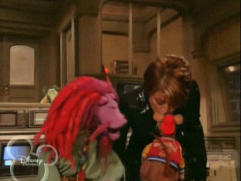 File:Kiss Paula Abdul and Rizzo.jpg