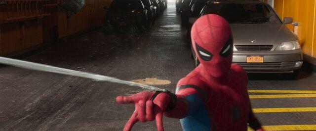 File:Spider-Man-Homecoming-69.jpg