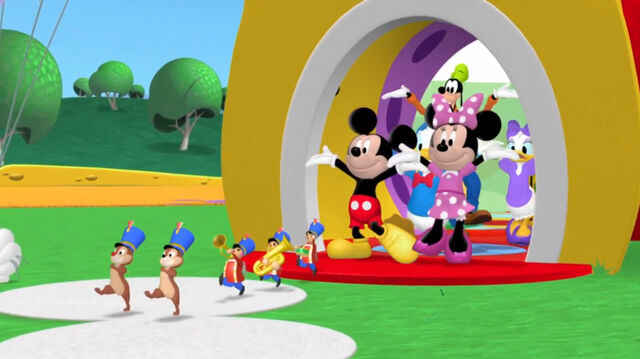 File:Mickey's little parade song-001.jpg