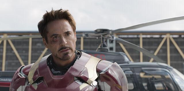 File:Captain America Civil War 194.jpg