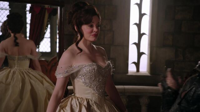 File:Once Upon a Time - 2x16 - The Miller's Daughter - Cora's Wedding Dress.jpg