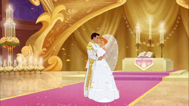 File:Cinderella & Prince Charming - A Twist in Time (3).jpg
