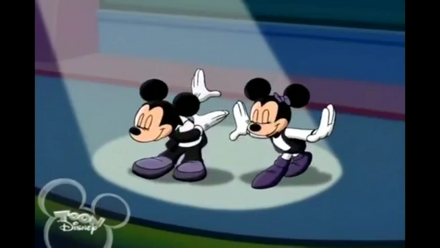 File:Mickey and Minnie take a bow.PNG
