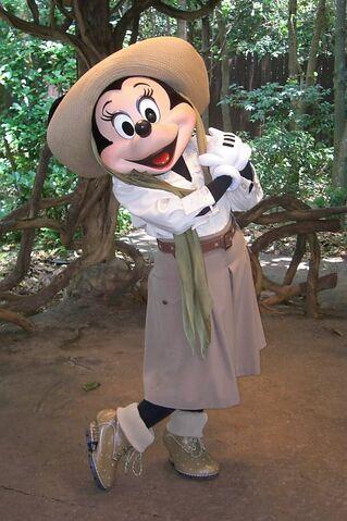 File:Minnie-Mouse-in-safari-gear.jpg