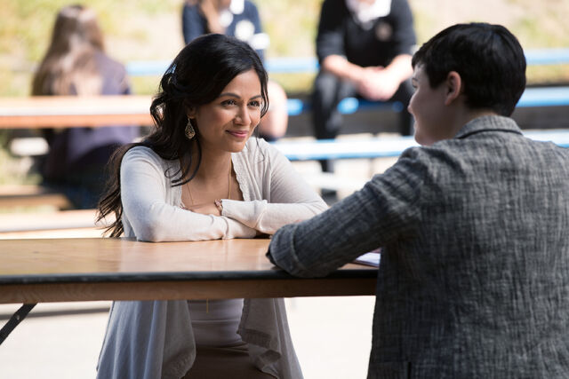 File:Once Upon a Time - 6x04 - Strange Case - Photography - Jasmine.jpg