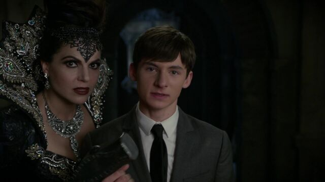 File:Once Upon a Time - 6x08 - I'll Be Your Mirror - Evil Queen and Henry.jpg