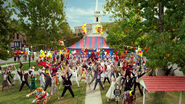 TheMuppets-(2011)-SmalltownCircus