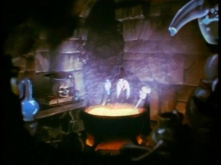 File:Witch cauldron.JPG
