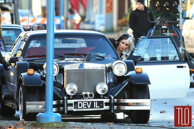File:Cruella's car in once upon a time 2.jpg