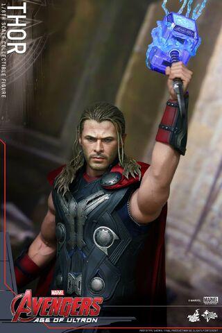 File:Thor AOU Hot Toys 14.jpg