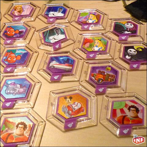 File:Disney infinity power discs 02.jpg