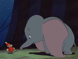 Dumbo-disneyscreencaps.com-2741