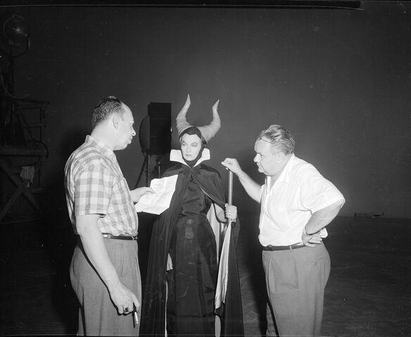 File:Maleficentmdavis.jpg