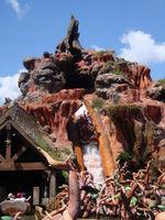 Splash mountain - magic kingdom