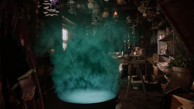File:Once Upon a Time - 5x06 - The Bear and the Bow - Green Smoke.jpg
