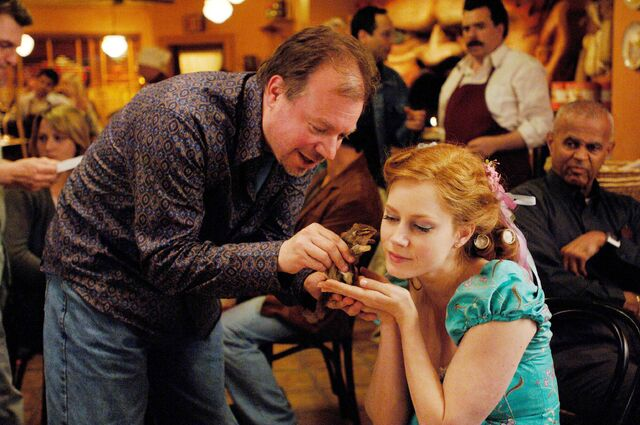File:Kevin Lima Amy Adams behind the scenes Enchanted.jpg