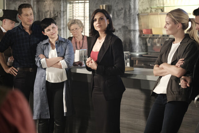 File:Once Upon a Time - 6x02 - A Bitter Draught - Publicity Images - Reginaa.jpg