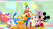 Group picture goofy's hat