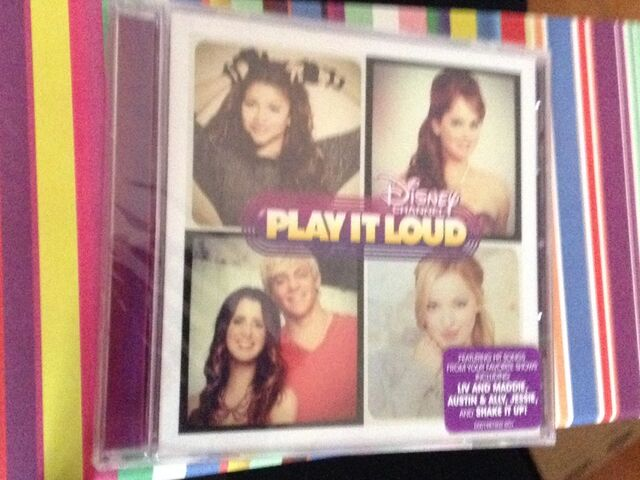 File:Play it loud cd .jpg
