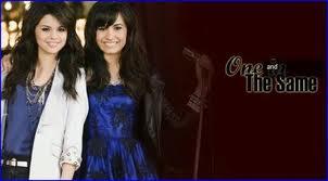 File:Demi Lovato & Selena gomez 3.jpg