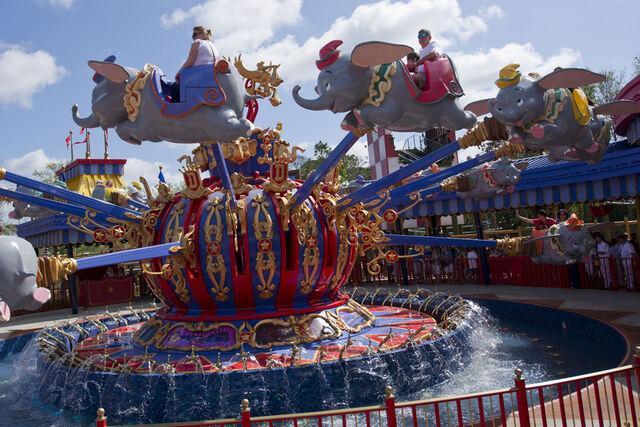 File:Dumbo the Flying Elephant (MK).jpeg