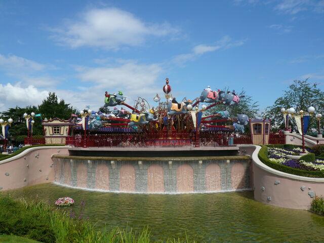 File:Dumbo the Flying Elephant (DLP).jpg