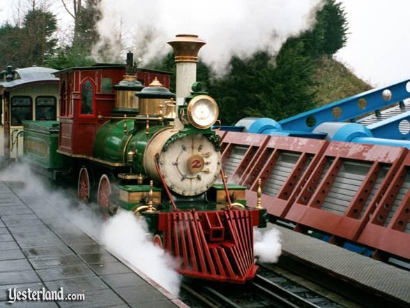 File:Disneyland Railroad (Paris).jpg