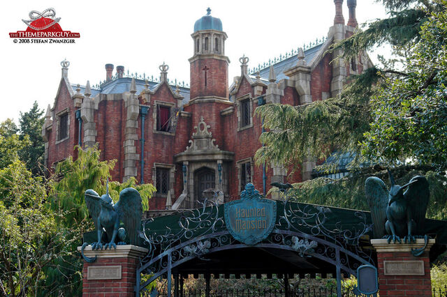 File:Haunted Mansion (TDL).jpg