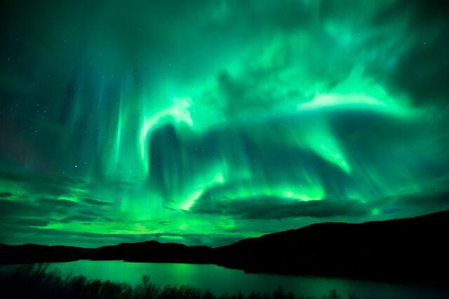 File:Green-sky 2220839k.jpg