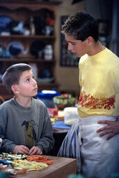 Malcolm-in-the-Middle-2x18-Reese-Cooks-Still-MITMVC-2