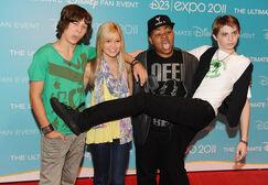 Leo+Howard+Olivia+Holt+D23+Expo+2011+Day+2+CL4lmsd5 eNl