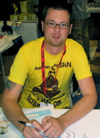 File:Krahulik, Comicon 2009.jpg