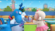 Stuffy, lambie and chilly check each other's eyes