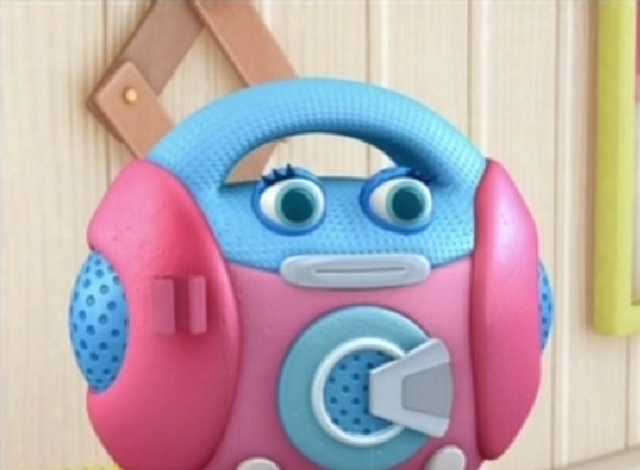File:Millie the Microphone.png