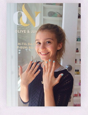 File:G-hannelius-manicure-may-29-2014-1.jpg