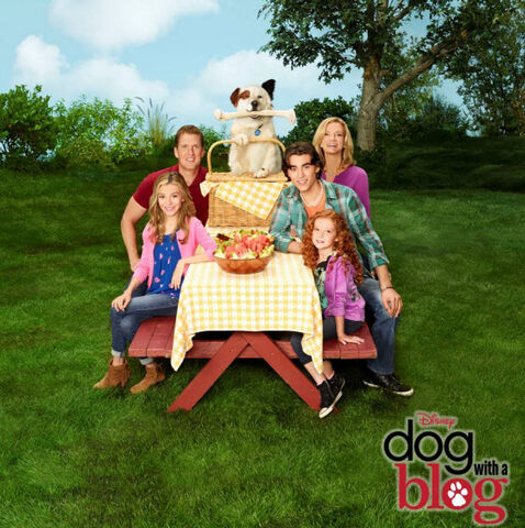 File:Dog-with-a-blog-cast-season-2.jpg