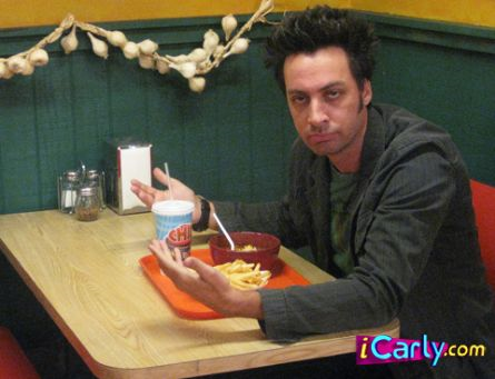 File:Steven Full in iCarly; iOwe You.png