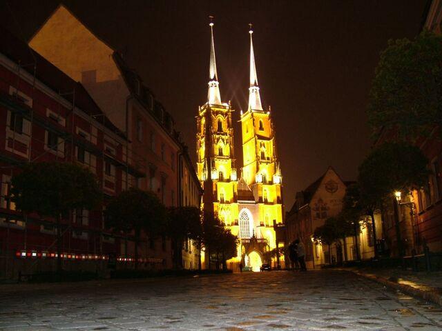 Plik:KatedraSwJanaNoca.jpg
