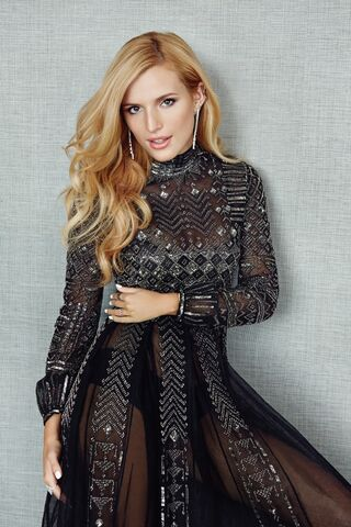 File:Bella-Thorne-Glamour-Mexico-December-2015-Cover-Photoshoot08.jpg