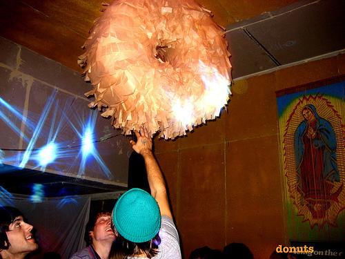 File:Donut-pinata-01.jpg