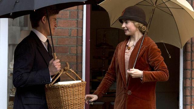 File:Downton-Abbey-5-5-Rose.jpg