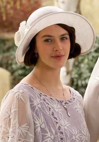 File:Sybil in white hat and lavender.jpg