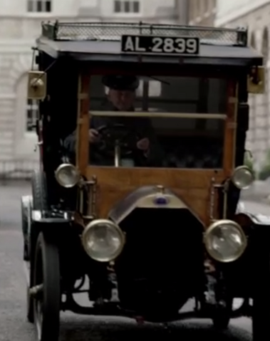 File:LondonTaxiS4E8.png